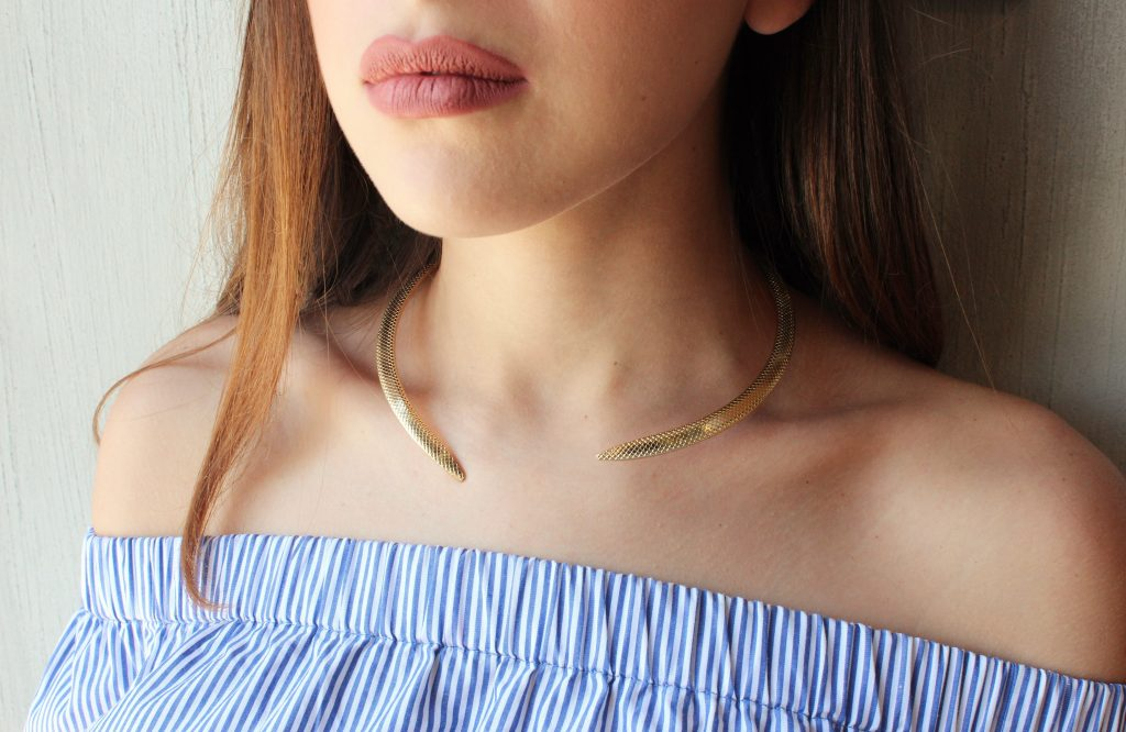 Chokers metálicos.